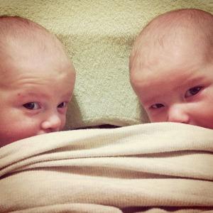 peeking twins